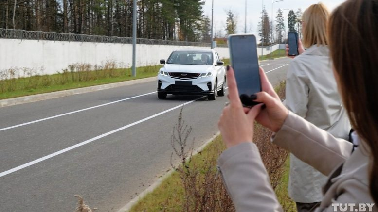 geely coolray тест