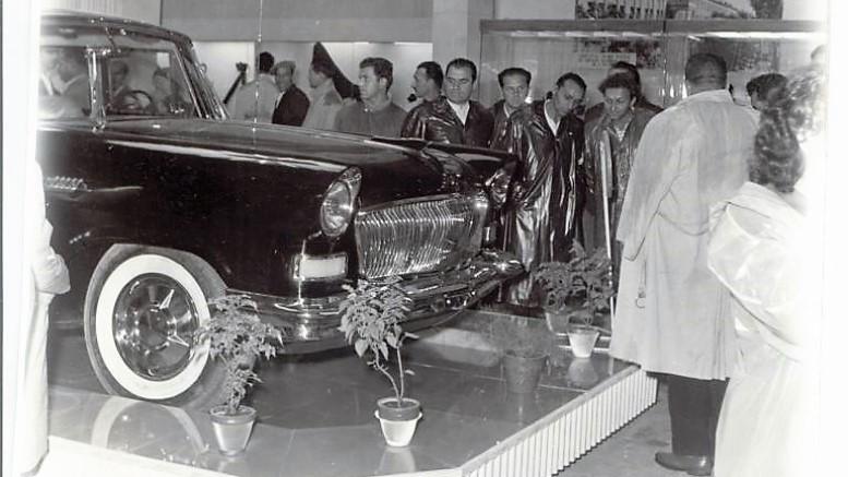 Hongqi CA72 на автосалоне в Пловдиве в 1960 году