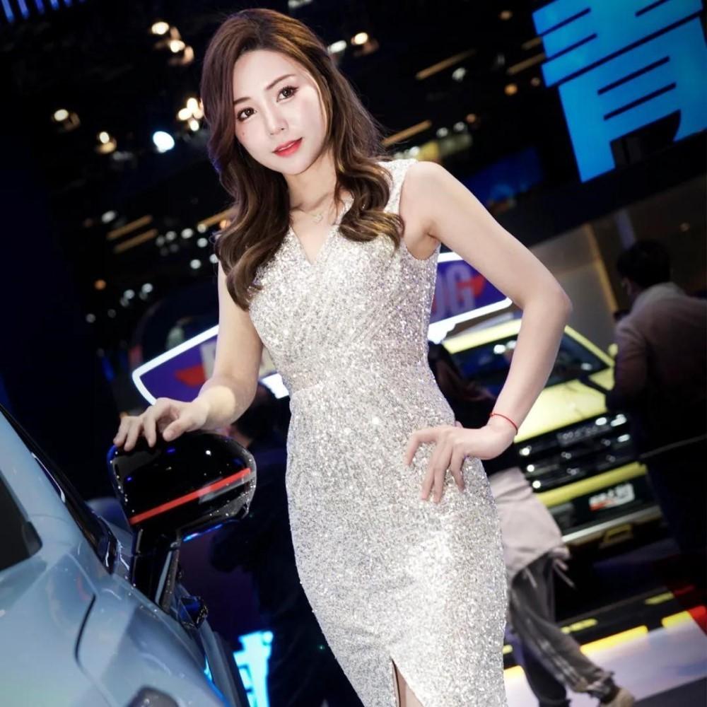 топ-10 девушек шанхайского автосалона