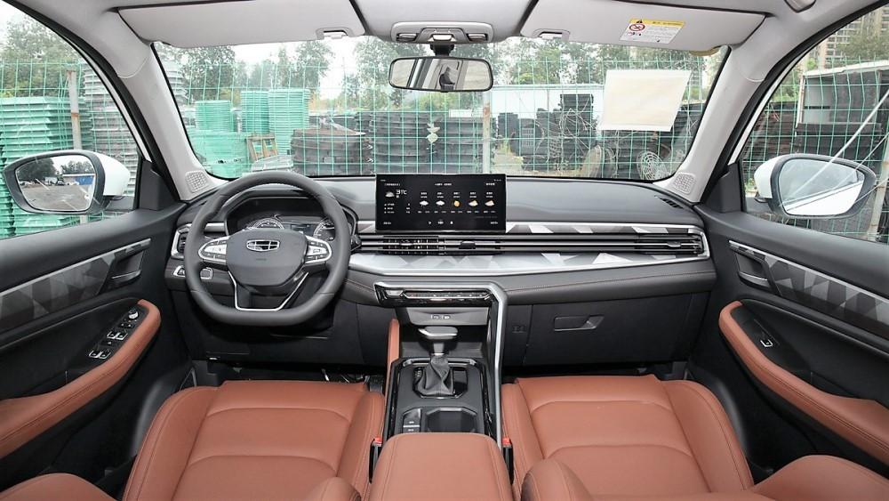 новый Geely Emgrand X7 салон